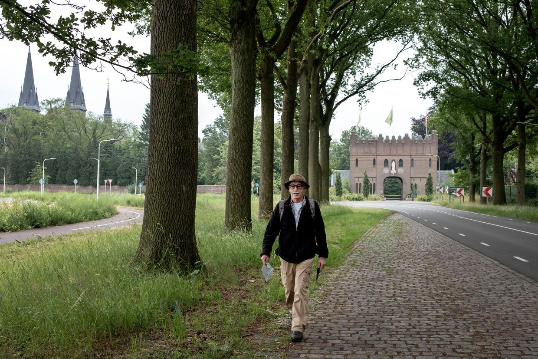 Charles Aerssens (73) bij de abdij Koningshoeven in Berkel-Enschot.