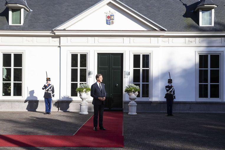Premier Mark Rutte maandag voorafgaand aan het werkdiner met Charles Michel, voorzitter van de Europese Raad. Beeld ANP