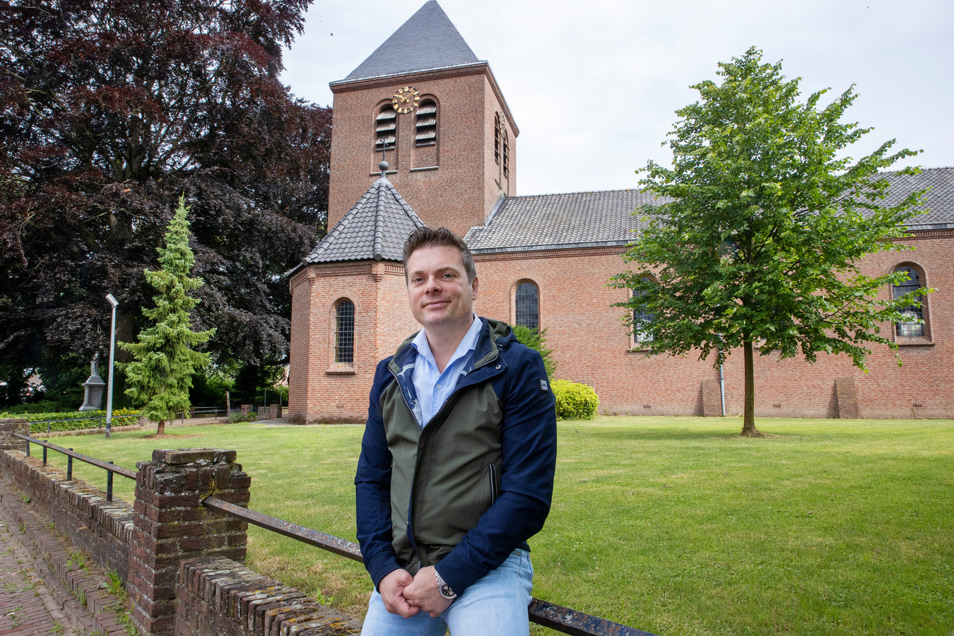 Koen Waijers ziet perspectieven voor de Ollandse kerk met behoud van historische elementen.