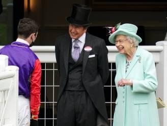 ROYAL BITS. Queen Elizabeth glundert bij bezoek aan Royal Ascot en Nederlandse Eloise moet lachen met bijnaam 'gravinfluencer'