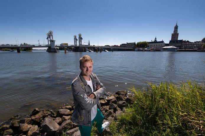 Tom van der Weerd (25) uit Kampen maakte in september samen met zijn radiomaatje Bram Krikke de overstap van SLAM! naar Qmusic.