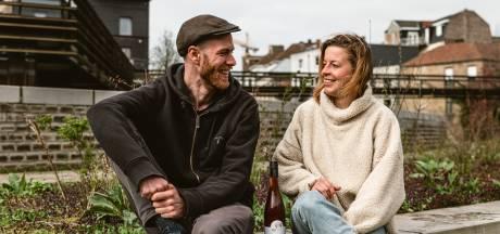 """Griet (26) en Timon (29) geven toevallige ontmoetingen een duwtje in de rug: """"We missen spontaan nieuwe mensen leren kennen"""""""