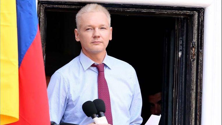Assange leeft al twee jaar in de ambassade van Ecuador. Beeld PHOTO_NEWS