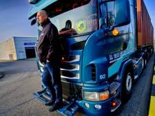 Zwijndrechtse truckers willen geld van bekeuringen terug: 'Je krijgt al een prent als je een paar minuten te vroeg aankomt'