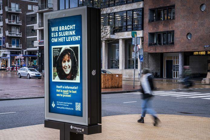 Met een abri voorzien van een poster met een portretfoto van Els Slurink vraagt de politie aandacht voor de zaak rond de moord op de Groningse. De politie is met een nieuwe aanpak begonnen voor het inwinnen van informatie over cold cases, onder het motto 'Het is nooit te laat om te praten!'