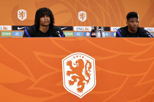 Nathan Aké en Patrick van Aanholt.
