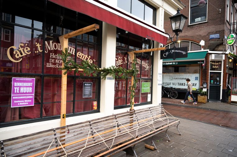 Café 't Monumentje in de Jordaan is al maanden dicht.  Beeld Evert Elzinga
