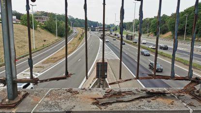 """Doorgeroeste brugrelingen over Brusselse Ring dit najaar dan toch vervangen: """"Gelet op het veiligheidsrisico"""""""