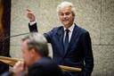Wilders in de Tweede Kamer tijdens de verantwoording van staatssecretaris Mark Harbers (Vreemdelingenzaken) over de verkeerd weergegeven misdaadcijfers voor asielzoekers.