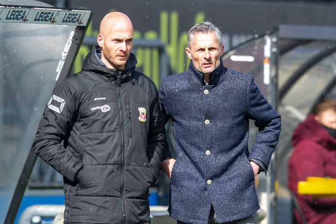 GA Eagles assistent-coach Paul Simonis (l) en trainer Kees van Wonderen (r).