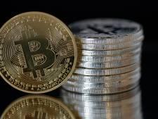 AFM: 'Steek 13e maand niet in bitcoins'