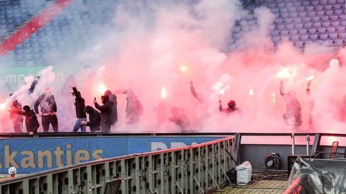 Supporters in het stadion.