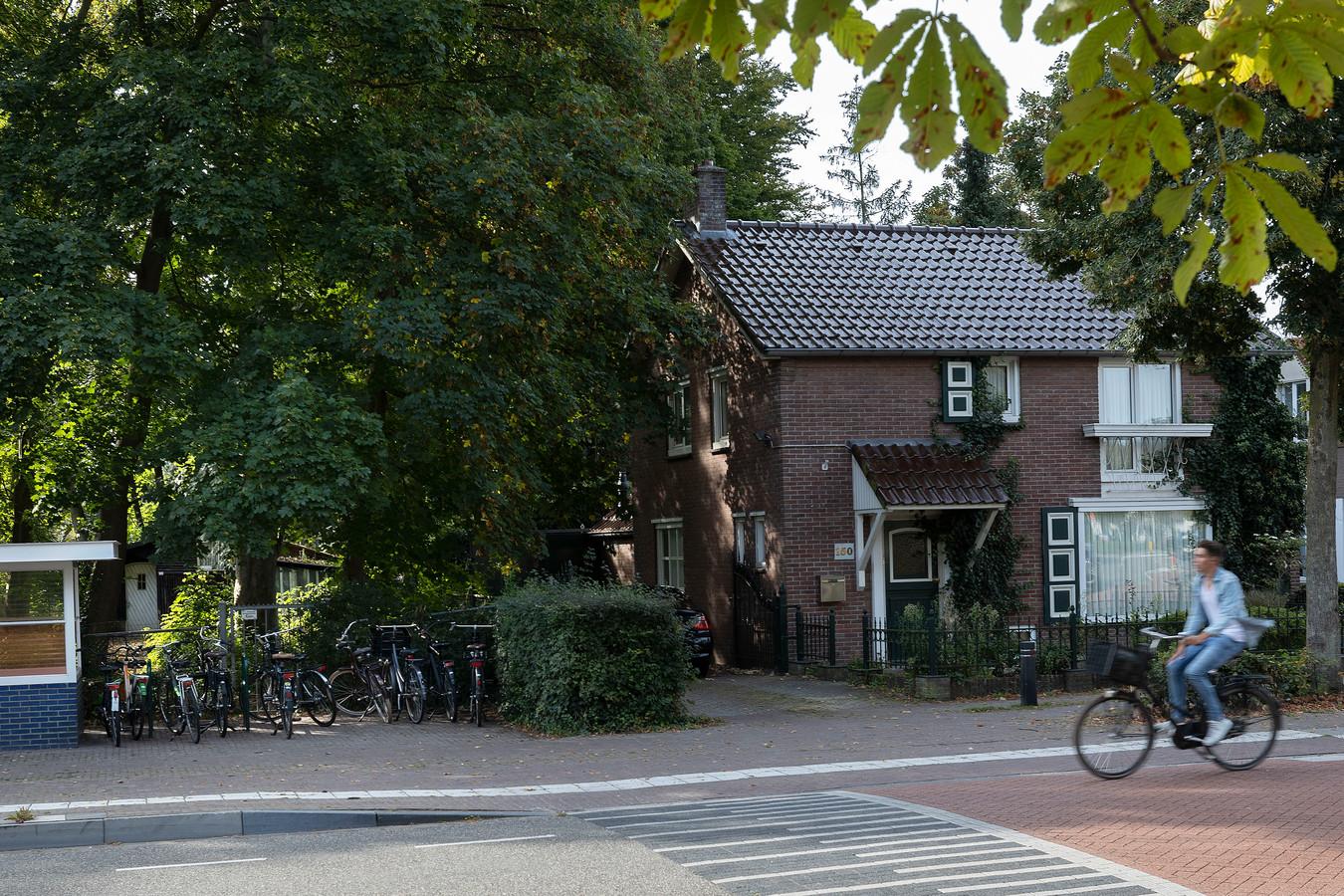 Op de plek in het Bergeijkse centrum waar nu nog een woning staat (op Hof 150) komt straks een nieuwe parkeerplaats.