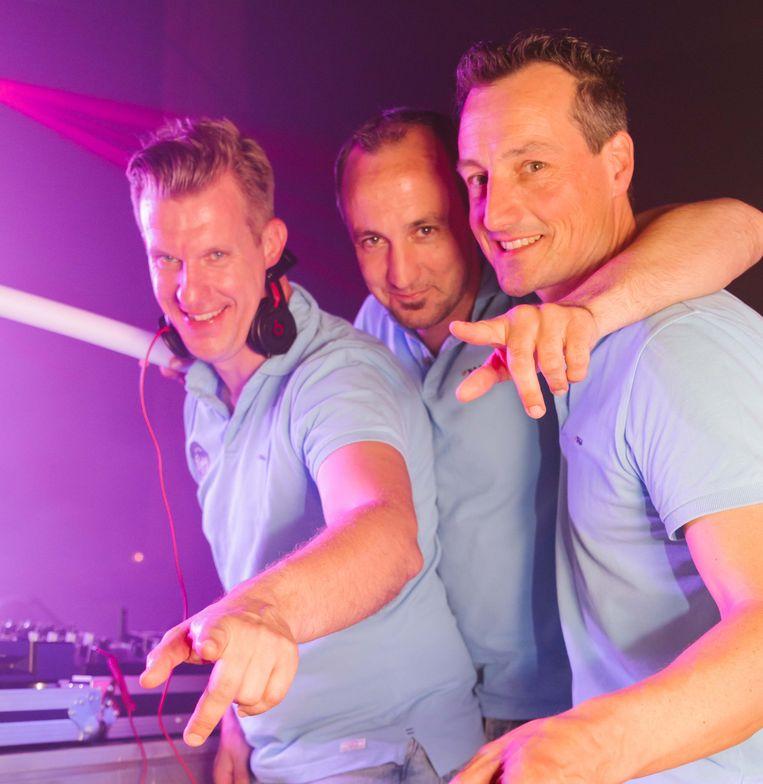 Joost, Koen en Wim zijn klaar voor een feestje.