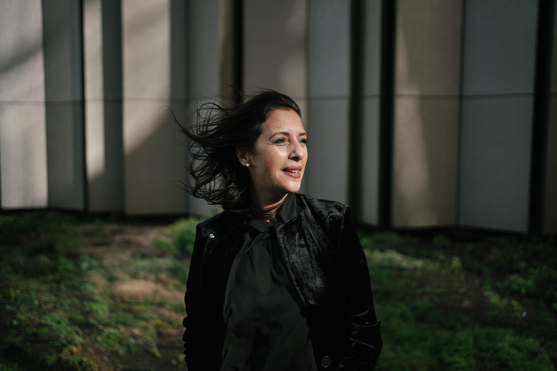 Zakia Khattabi (Ecolo). 'Ik start met een zware erfenis maar probeer vooral naar de toekomst te kijken. Gelukkig zie ik nu meer dan ooit ambitie in de federale regering. Beeld Wouter Van Vooren