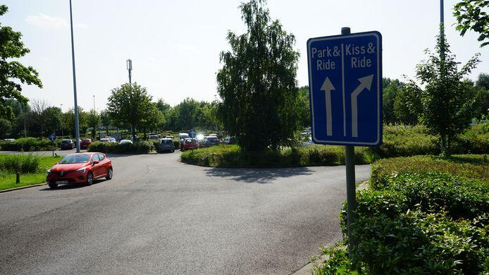 De huidige parking zal volgend jaar in capaciteit verdubbeld worden.