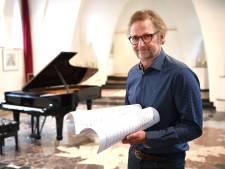 Maarten Hartveldt kreeg daar 198 euro per jaar voor gecomponeerde Eftelingmuziek: hij stapte naar de rechter