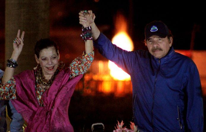 President Daniel Ortega van Nicaragua (rechts) en zijn vrouw, vice-president Rosario Murillo op archiefbeeld.