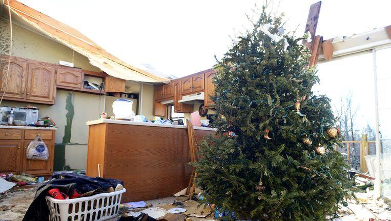 Een huis zonder dak in de staat Tennessee nadat een tornado over het gebied trok. Beeld ap