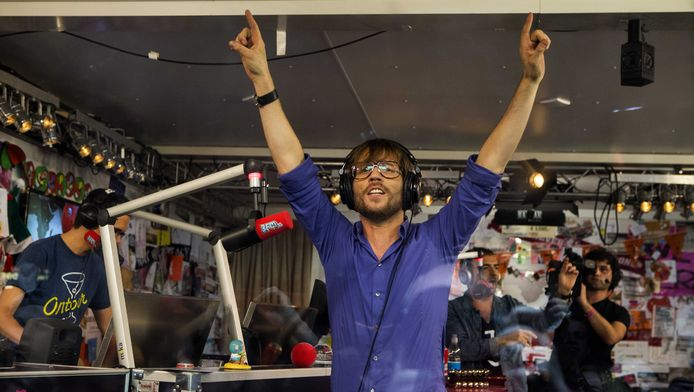 DJ Giel Beelen in het Glazen Huis in 2012
