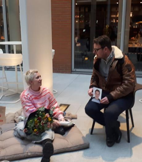 Ouders Hoenderloo Groep houden stille mars en steunen Charlotte Bouwman in Den Haag