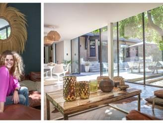 """Wie een interieur uit de boekjes wil, moet de 'coastal living'-stijl kennen. Pascale past hem toe in haar cottage: """"Het gevoel van op reis te zijn"""""""