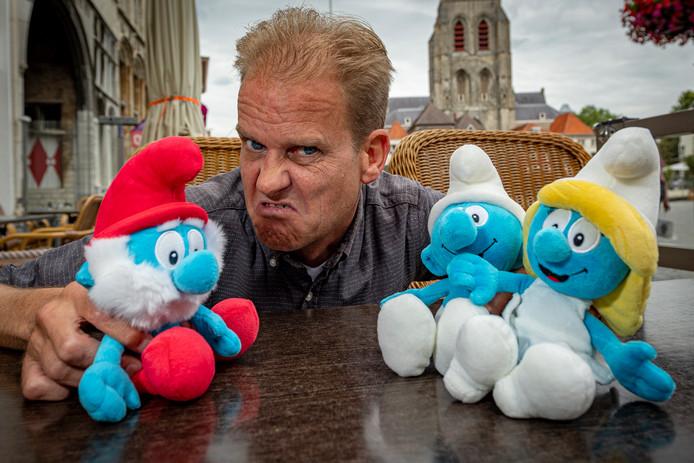 Acteur Willy Michielsen uit Bergen op Zoom speelde Gargamel al in Nederland en België. Nu gaat hij op de internationale toer en speelt hij de smurfenhater in Qatar.