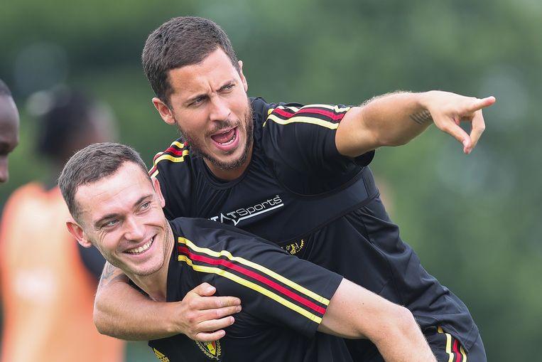 Eden Hazard, dollend op training met Thomas Vermaelen, koestert grote WK-ambities. Beeld BELGA