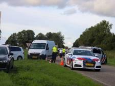 Politie legt illegale straatrace bij Lelystad stil en neemt voertuigen in beslag