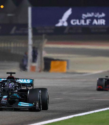 Verstappen grijpt naast zege in openingsrace na zinderend duel met Hamilton