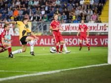 Scholier Brusselers officieel profvoetballer bij NAC