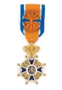 Onderscheiding Officier in de Orde van Oranje-Nassau.