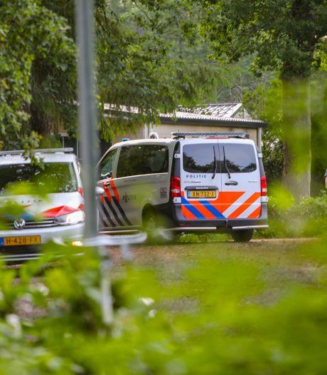 Vrouw spuugt naar agenten op camping in Beekbergen en wordt opgepakt