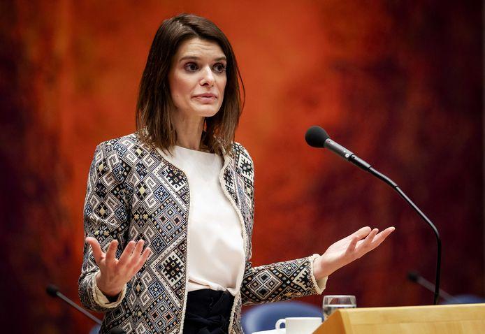 Barbara Visser (VVD) staatssecretaris van Defensie tijdens het wekelijkse vragenuur in de Tweede Kamer.