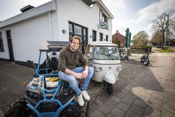 Roderik Kolfoort neemt met zijn bedrijf Twente Toer het café 't Witte Peard aan de Denekamperstraat over.