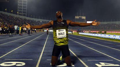 """Emotioneel afscheid Bolt bij laatste race in Jamaica: """"Nog nooit zo nerveus geweest"""""""