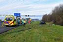 De zus van kickbokskampioen Robin van Roosmalen, Melissa van Roosmalen, is overleden na een ongeval op de A2 bij Nieuwegein. Robin van Roosmalen ligt gewond in het ziekenhuis. Volgens ooggetuigen stonden de twee op de vluchtstrook toen zij werden aangereden door een vrachtwagen.