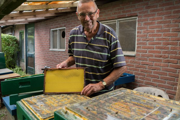 Bijenhouder Jan Alferink: ,,Ik heb gewoon veel met bijen en met de natuur.''