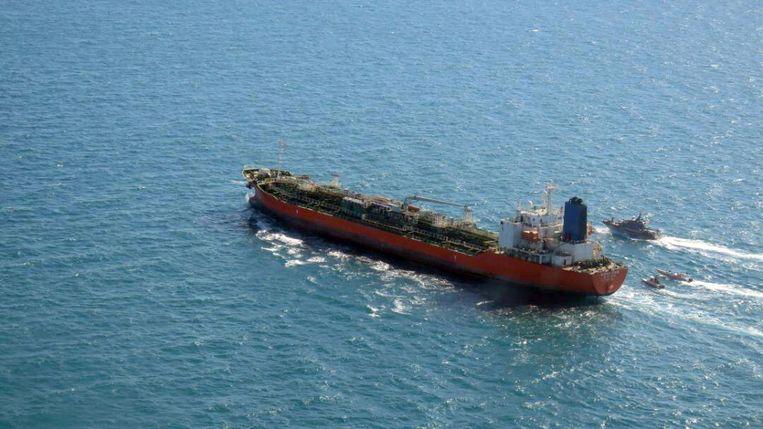 De Zuid-Koreaanse tanker Hankuk Chemi werd maandag gekaapt door leden van de Revolutionaire Garde.  Beeld EPA