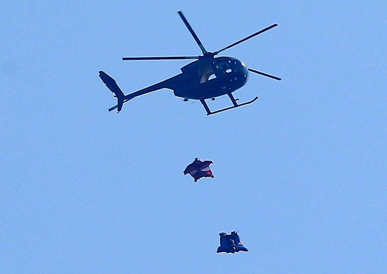 Saut en wingsuit depuis un hélicoptère (archives, 2012, Royaume-Uni)