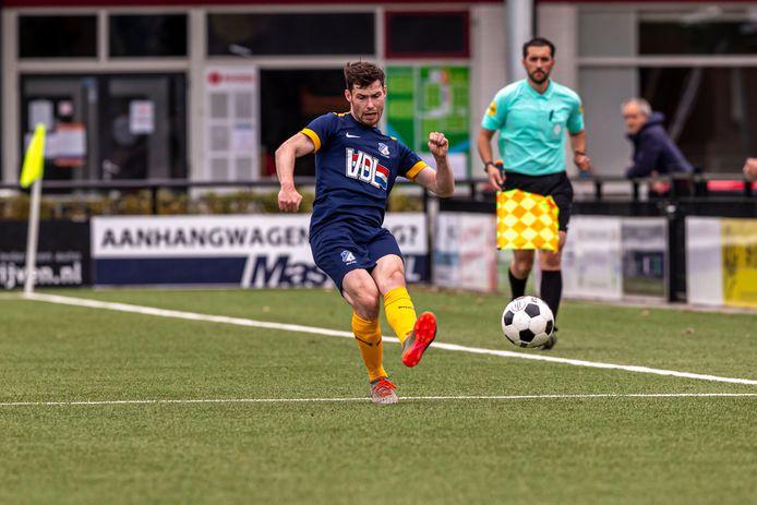 Sander Heesakkers in actie voor FC Eindhoven AV tegen Rhode.