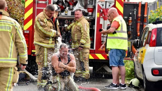 """Collega's koelen brandweerman af: """"Hittestress komt vaker voor en is niet ongevaarlijk"""""""