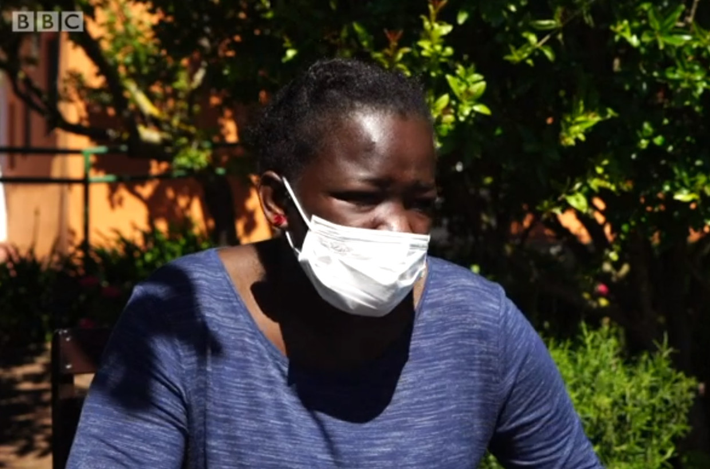 Aicha doet haar verhaal Beeld BBC