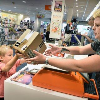 PostNL verlaagt vergoeding voor pakketpunten: 'We komen al nauwelijks rond'