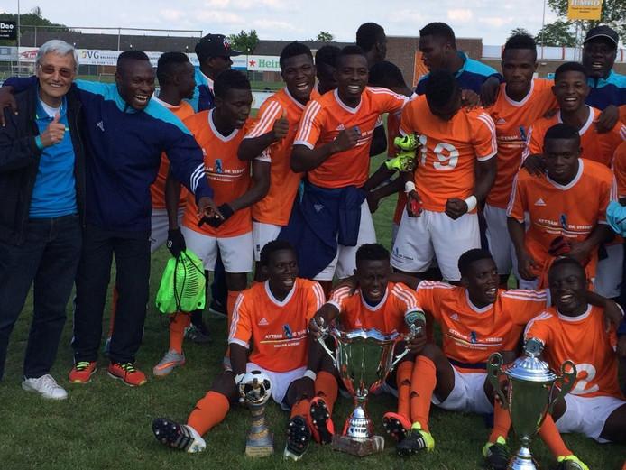 De kampioensploeg van Attram De Visser soccer academy.