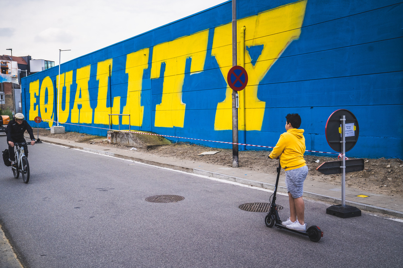 De muurschildering van Wallin' vzw aan de Franse Vaart.