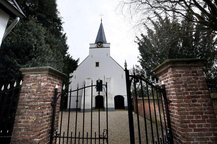 De hervormde kerk in Rhenoy.