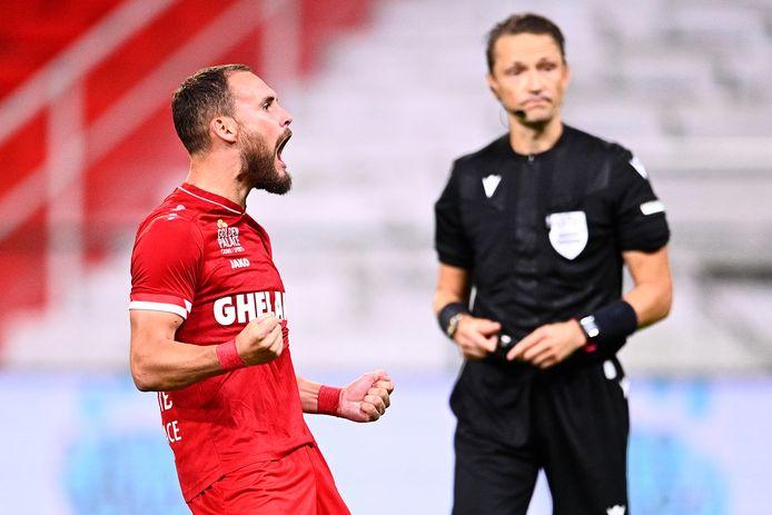 Birger Verstraete zette de eerste Antwerp-penalty om.