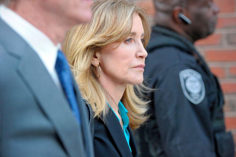 Actrice Felicity Huffman maakte vorige week haar opwachting bij de rechtbank in Boston. Beeld AFP