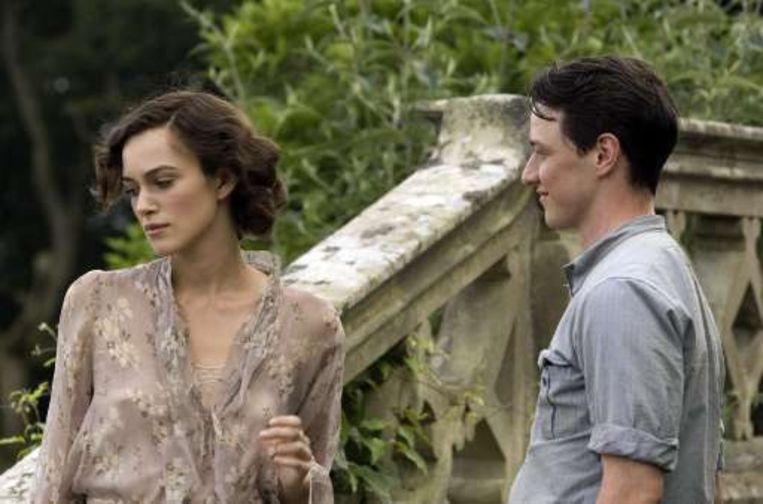 Keira Knightley en James McAvoy in 'Atonement'. Beeld